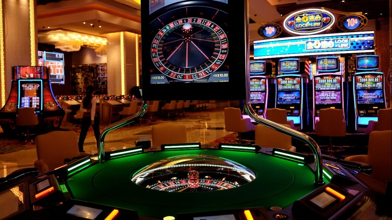 Learn about the top five benefits of playing online casino games